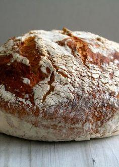 Eltefritt brød med cheddar og salvie Cheddar, Pesto, Bacon, Bread, Food, Cheddar Cheese, Brot, Essen, Baking