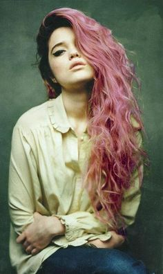 pastel pink hair. so sassy but so beautiful. only tumblr.