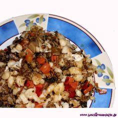 Spätzlepfanne mit Champignons und Hackfleisch  Rezept für eine leckere Spätzlepfanne mit Champignons und Hackfleisch Risotto, Ethnic Recipes, Food, Spaetzle Recipe, Ground Beef Recipes, Noodles, Food And Drinks, Cooking, Dekoration