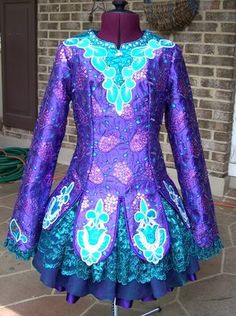 This is lovely, love the lace.