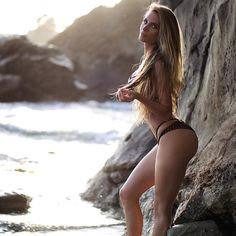 Hot & sexy Model Amanda Elise Lee - Fitness Trainer best curve body in hot models watch new sexy HD wallpapers images gallery collection and more info Amanda Lee, Girls With Abs, Selfies, Chico Fitness, Bikinis, Swimwear, Beach Wear, Instagram Girls, Workout Plans