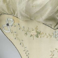 Reticule, anonymous, c. 1787 - c. Regency Gown, Regency Era, Sewing Case, Sewing Box, 18th Century Clothing, Body Adornment, Work Bags, Costume, Silk Ribbon Embroidery