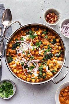 Creamy Chickpea and Spinach Curry – Cupful of Kale - Gourmet-Rezepte Chickpea Recipes, Veggie Recipes, Vegetarian Recipes, Cooking Recipes, Healthy Recipes, Healthy Soup, Bread Recipes, Soup Recipes, Chickpea And Spinach Curry