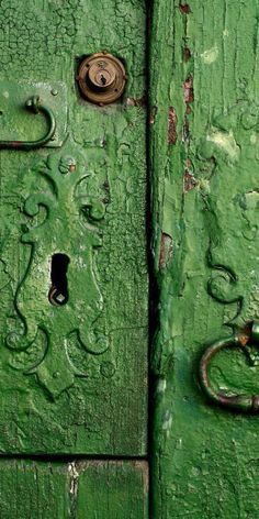 Green door, great color and crackled paint. Knobs And Knockers, Door Knobs, Door Handles, Door Pulls, The Doors, Windows And Doors, Go Green, Green Colors, Green Life