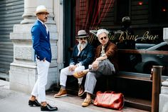 Milan Fashion Week — The Locals – Street Style from Copenhagen and elsewhere The Sartorialist, Daily Fashion, Mens Fashion, Street Fashion, London Fashion, White Chinos, Street Style 2016, Paris Mode, Elegant Man