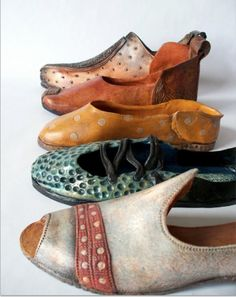 Marie Gibbons - Feet of clay - Pieds d'argile (Comme le géant aux pieds d'argile - Like the giant who had clay feet)