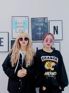 Solar and Moonbyul South Korean Girls, Korean Girl Groups, K Pop, Cosmic Girl, Kdrama, Lee Hi, Pinterest Profile, Mamamoo Moonbyul, Solar Mamamoo
