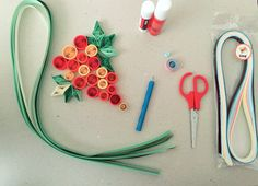 Quilling scissors, glue, quilling apparatus, grapes, leaves, bunch, lino, geometrical shapes 🍇🍃 ✂️