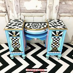 [d]Here's all the color combos I used on this STUNNING painted vanity.  Find out below how I used  Alice in Wonderland and mermaids as my inspiration![/d] [d][b…
