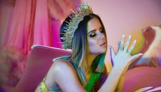 "American country music singer-songwriter Maren Morris released her sophomore album ""GIRL"" on March It is her first studio project in 3 years. Like A Shooting Star, Jamie Nelson, Best Country Singers, Girl Struggles, Word Girl, Maren Morris, World Wide News, Stuck In The Middle, Famous Musicians"