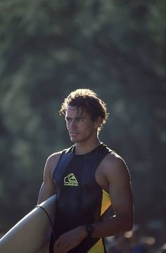 youngish Kelly Slater (with hair), surf royalty 🤙💙🌊💫💋 Surfer Boys, Surfer Dude, Young Kelly Slater, Beautiful Boys, Pretty Boys, Beautiful People, California Surf, Southern California, Surfer Style