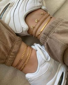 Stylish Jewelry, Simple Jewelry, Cute Jewelry, Girls Jewelry, Ankle Jewelry, Ankle Bracelets, Gold Bracelets, Mode Hipster, Anklet Designs