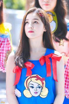 How to ma Cute Girl Pic, Cute Baby Girl, Cute Girls, Cool Girl, Cute Korean, Korean Girl, Asian Girl, Nancy Jewel Mcdonie, Nancy Momoland