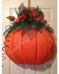 Pumpkin Deco Mesh Wreath made with half ball wreath form. Pumpkin Mesh Wreaths, Deco Mesh Pumpkin, Fall Mesh Wreaths, Fall Deco Mesh, Deco Mesh Wreaths, Holiday Wreaths, Winter Wreaths, Halloween Wreaths, Ribbon Wreaths