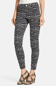 Stella McCartney 'Jessica' Heart Print Skinny Ankle Zip Jeans available at Modest Outfits, Fall Outfits, Casual Outfits, Casual Clothes, Summer Chic, Spring Summer Fashion, Summer Days, Look Magazine, Pants For Women