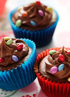 Smartie Chocolate Cupcakes. Try these simple cakes out with any mini-chefs in the household and have fun decorating with Nestlé Smarties. They're perfect for birthday parties too!