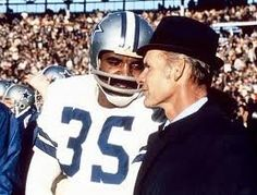 Calvin Hill congratulates Coach Tom Landry as Dallas crushes the Miami Dolphins in Super Bowl VI, It was the Cowboys first Super Bowl Championship. Dallas Cowboys Players, Dallas Cowboys Pictures, Calvin Hill, Tom Landry, Nfl Hall Of Fame, Nfl Photos, Troy Aikman, Nfl Football, Football Coaches