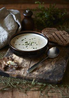Vellutata di zucchine & funghi con timo fresco