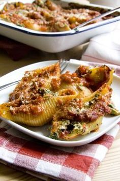 Spinach & ricotta stuffed pasta shells