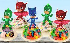 Fiesta de cumpleaños de máscaras PJ favorece por KidsInvitations