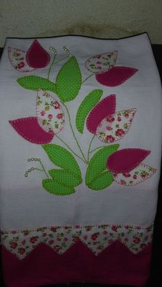 Hand Embroidery Flowers, Hand Embroidery Stitches, Flower Applique, Wool Applique, Applique Quilts, Quilt Block Patterns, Applique Patterns, Applique Designs, Embroidery Designs