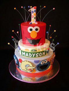 Sesame street cake Elmo Birthday Cake, 1st Boy Birthday, Birthday Ideas, Sesame Street Cake, Sesame Street Birthday, Cupcake Cakes, Cupcakes, Elmo Party, Cake Stuff