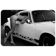 "1,645 gilla-markeringar, 44 kommentarer - Cᴜʟᴛ 911 (@porscheartdaily) på Instagram: ""@josegallina is now selling these cool, sexy pics as prints - check out his page  #porsche…"""