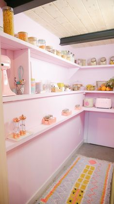 Our newest DIY project in the kitchen pantry. all pastel, all fabulous, meet the new colour of the hey maca world: lilac! Ikea Organization Hacks, Pantry Organization, Kitchen Pantry, Kitchen Storage, Pantry Diy, Yellow Doors, Pantry Design, Jar Storage, Crate And Barrel