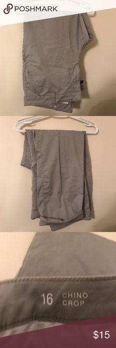 💥SALE💥Khaki colored cropped pant Khaki colored cropped pant a.n.a Pants Ankle & Cropped