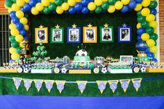 Festa Futebol Brasil - 6 anos do Joaquim ~ petite parti Soccer Birthday Parties, Soccer Party, 8th Birthday, Mission Farewell, English Festivals, Soccer Theme, Farewell Parties, Unicorn Costume, First Birthdays