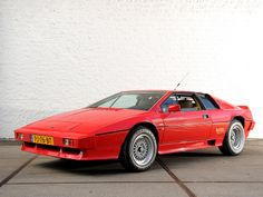 The 1981 Lotus Esprit Turbo Has A Hidden Second Spoiler Because It Made Too Much Downforce Lotus Esprit, Sports Wallpapers, Car Wallpapers, Car Wallpaper Download, Lotus Car, Goodwood Festival, Sport Cars, Dream Cars, Classic Cars