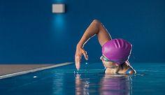 Schneller schwimmen - so steigerte Sie in 8 Wochen ihr Tempo beim Schwimmen um satte 20 Sekunden auf 100 Metern (Video)