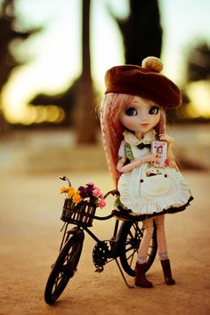 I love the model of her. Her pose inspires me to get a doll bike for my Pullip and family