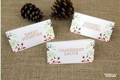 Free Thanksgiving Table Printables are just in time! These folding Thanksgiving Food Tent Cards will look amazing on your buffet table! Name place cards too!
