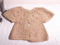 Leaves sweater for baby girl, how precious for the fall!