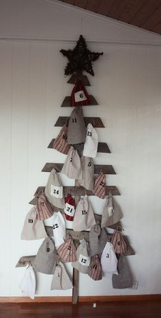 cute idea for our advent this year. Christmas Calendar, Noel Christmas, Homemade Christmas, Winter Christmas, Christmas Crafts, Christmas Decorations, Xmas, Advent Calenders, Navidad Diy
