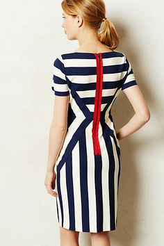 Vanishing Point Shift - I have a striped dress like this already (and love it) but omg this zipper! I love the zipper. Mode Outfits, Dress Outfits, Dress Skirt, Dress Up, Sheath Dress, Cute Dresses, Dresses For Work, Couture, Mode Style