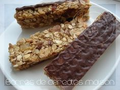 Cereal bar recipe- ide til sund gave i julesokken Food Cakes, Healthy Protein Breakfast, Cake Cookies, Granola, Cake Recipes, Sweet Tooth, Food And Drink, Sweets, Snacks