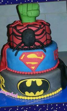 Hero cake (superman, batman, spiderman and hulk)