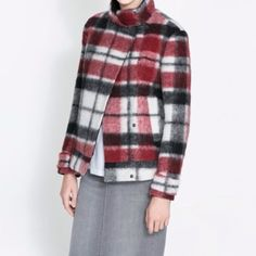 🎉HOST PICK🎉Zara coat New with tag. 38% Wool 34% Polyester 19% Mohair 9% Acrylic Zara Jackets & Coats