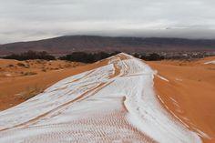 5 удивительных фотографий снега в жаркой пустыне Сахара