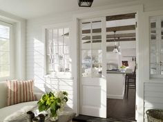 KALINKI SUMMERHOUSE: New England wg Nancy Fishelson paint screened porch white