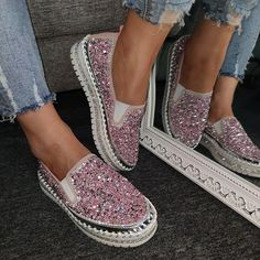 Women Large Size Shining Rhinestone Slip-on Loafers – Inspireyoos Cute Shoes, Me Too Shoes, Sneakers Fashion, Fashion Shoes, Women's Sneakers, Shoe Boots, Shoes Sandals, Women's Boots, Flats