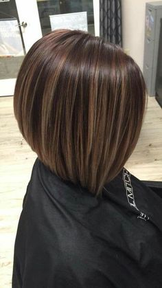 Women Hairstyles Over 40 Perfect hair.Women Hairstyles Over 40 Perfect hair Medium Hair Styles, Short Hair Styles, Medium Choppy Hair, Bob Hair Color, Chin Length Hair, Bob Hairstyles, Baddie Hairstyles, Layered Hairstyles, Casual Hairstyles