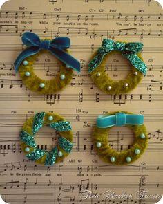Vintage style miniature wreath ornaments DIY