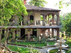 Mexican Hacienda, Hacienda Style, Spanish House, Spanish Colonial, Beautiful Homes, Beautiful Places, Concrete Houses, Backyard Sheds, House Entrance