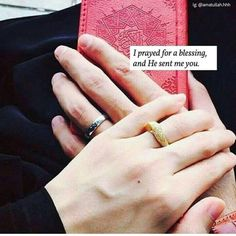 May Allah give us all this golden day when we perform hajj with our spouse.. insha Allah.... ❤ Muslim Couple Quotes, Cute Muslim Couples, Muslim Love Quotes, Love In Islam, Beautiful Islamic Quotes, Islamic Love Quotes, Islamic Inspirational Quotes, Cute Couples, Islam Marriage