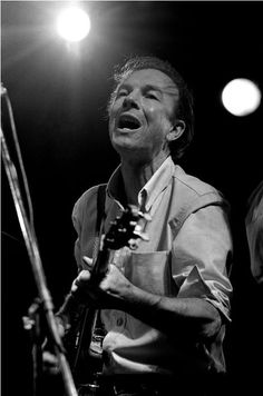 """Pete Seeger, Newport Folk Festival, Newport, Rhode Island, 1968    """"The easiest way to avoid wrong notes is to never open your mouth and sing. What a mistake that would be."""" by Elliott Landy"""