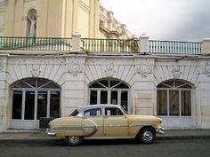 Santiago de Cuba ( los bajo de la Catedral )
