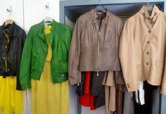 Die coolsten Second Hand Shops in Wien - Teil 2 - Second Hand Shop, Second Hand Clothes, Second Hand Fashion, Two Hands, Raincoat, Fashion Shops, Clothes For Women, Restaurants, Jackets